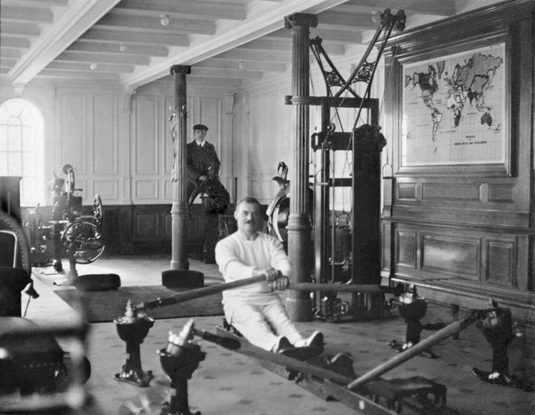 Тренажерный зал на борту Титаника, 1912 год