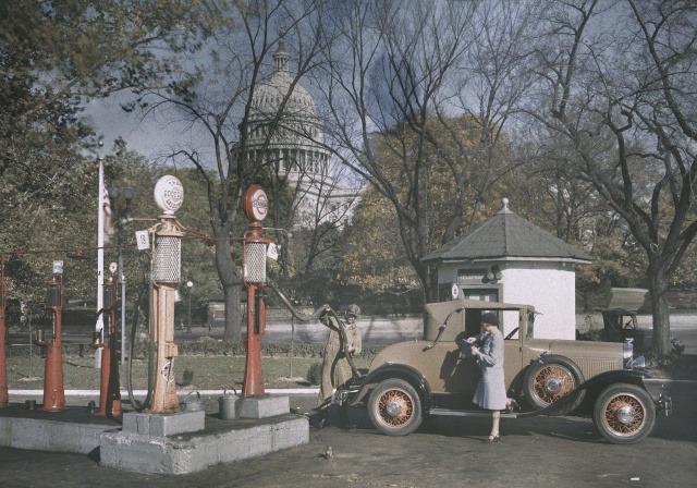АЗС возле здания Капитолия в Вашингтоне, 1920-е