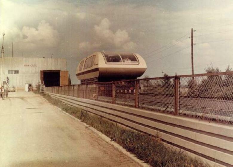 Первый вагон на электромагнитной подвеске в СССР