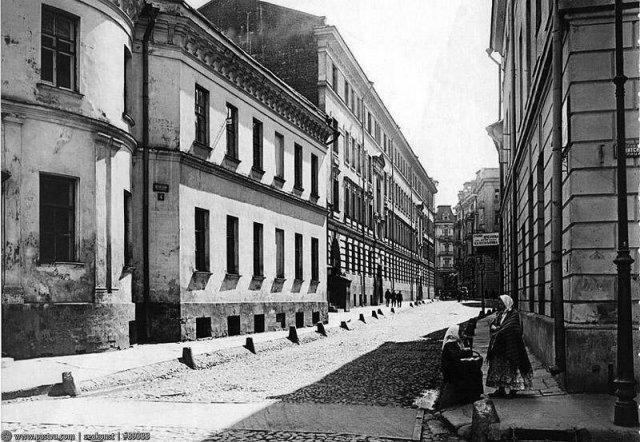 Шереметевский (теперь Романов) переулок