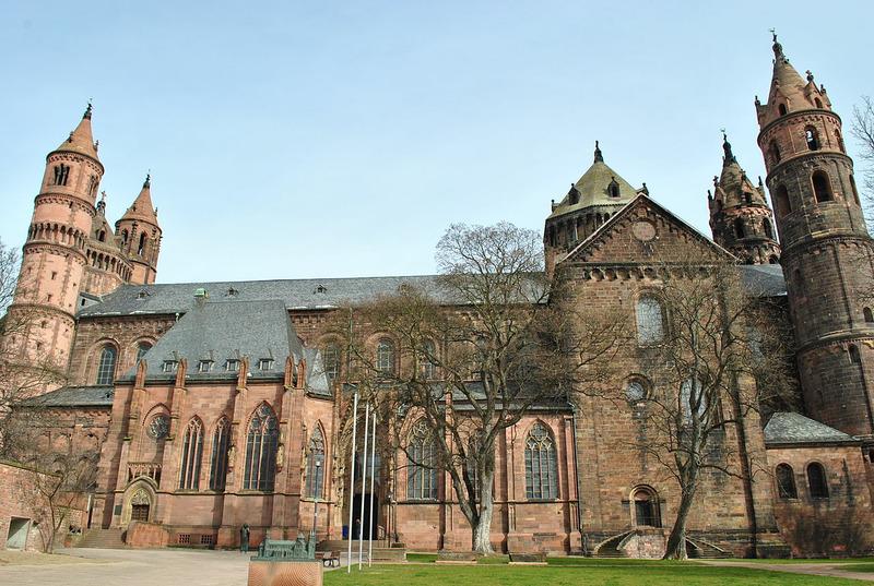 Вормсский собор (Wormser Dom, полное название Собор Святого Петра, Der Dom St. Peter)