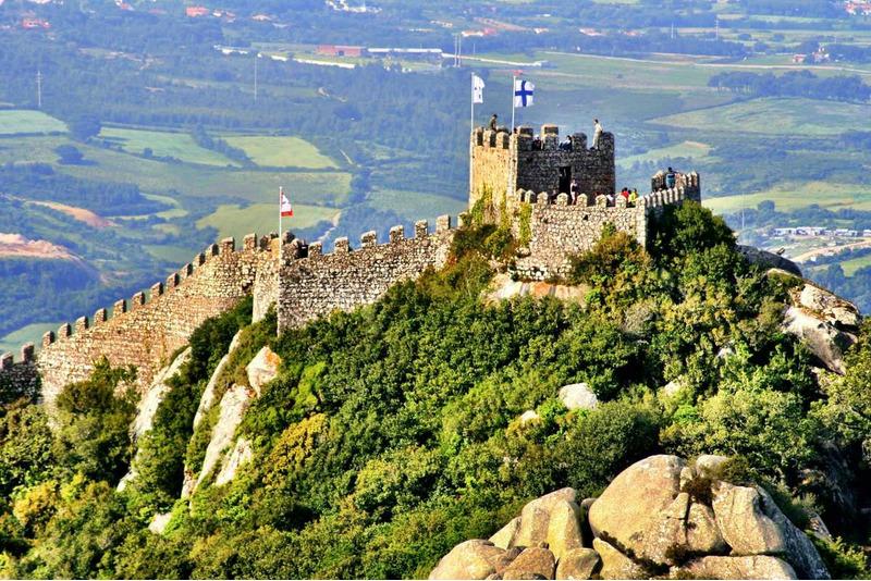 Замок мавров (Castelo dos Mouros)