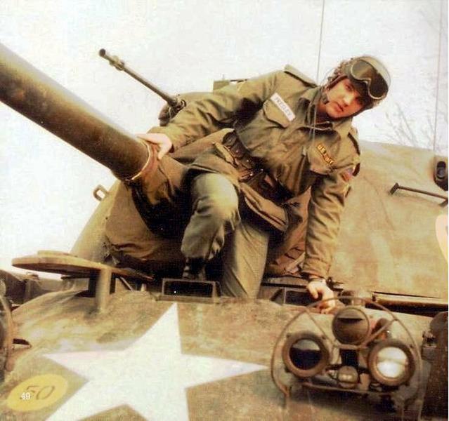 Армейское фото Элвиса Пресли