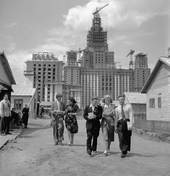 Строительство главного здания МГУ, 1951