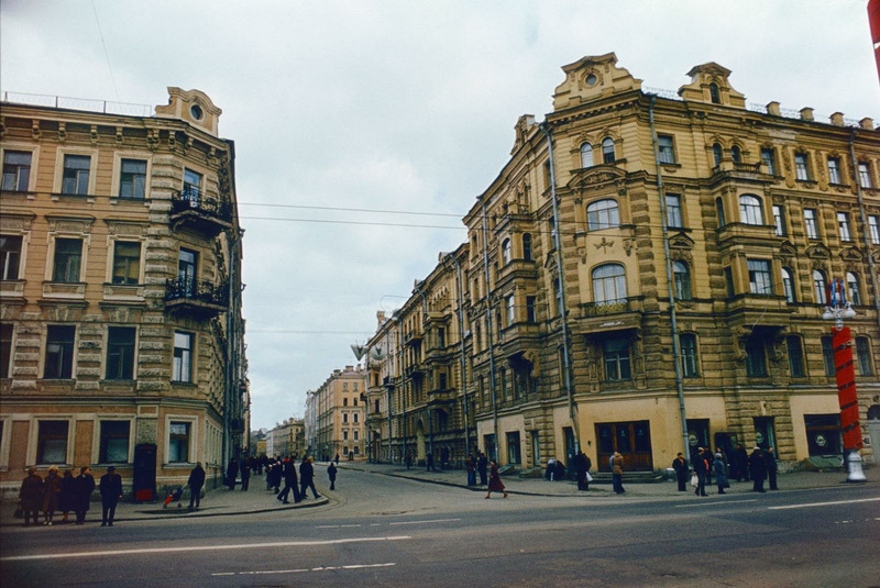 Перекупной переулок. Вид с Невского проспекта