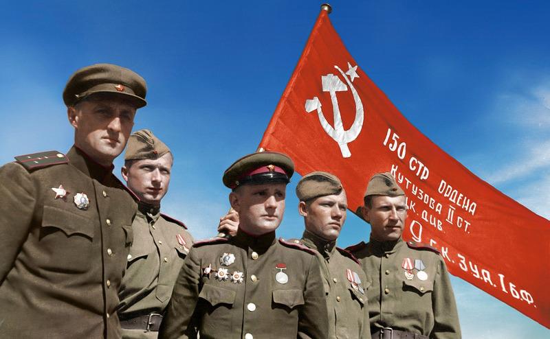 Капитан К.Я.Самсонов, старший сержант М.В.Кантария, капитан С.А.Неустроев, сержант М.А.Егоров, старший сержант И.Я.Сьянов