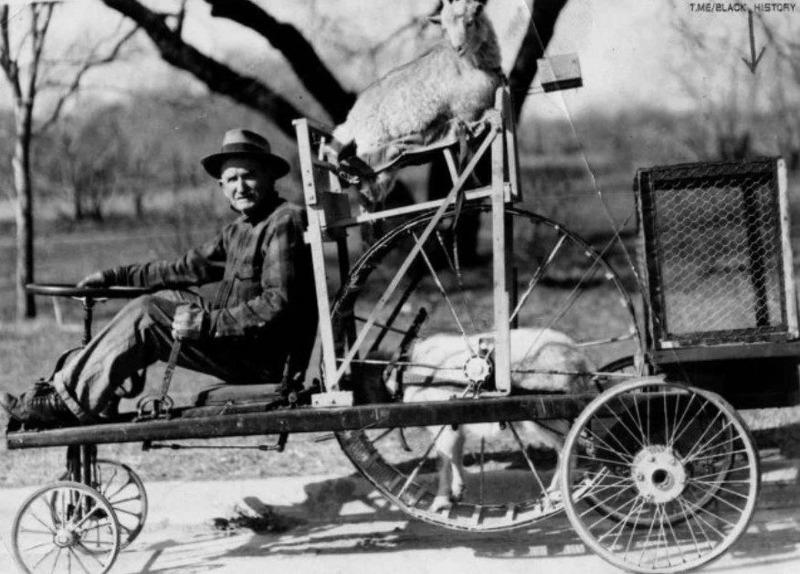 Американский фермер демонстрирует транспортное средство