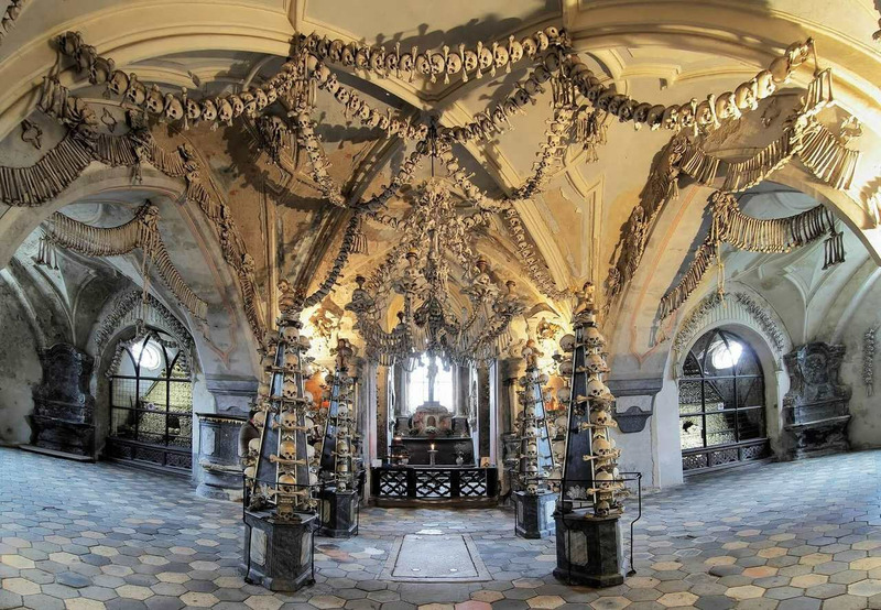 Костница в Седлеце или Костёл Всех Святых в Чехии