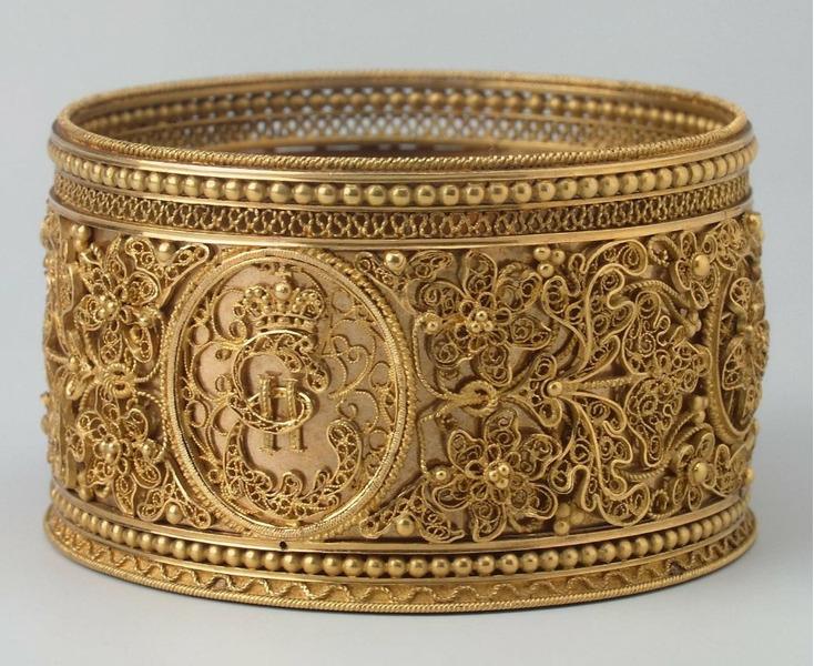Золотой подбутыльник Екатерины Великой