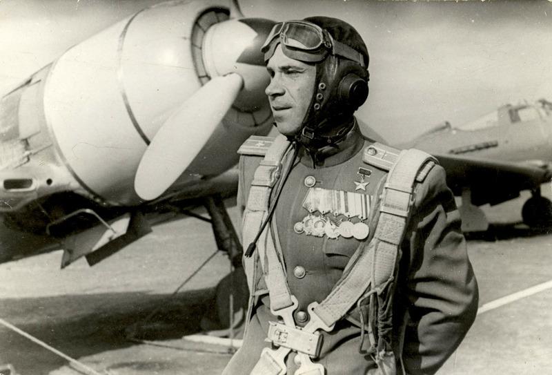 Борис Ковзан — советский лётчик-истребитель