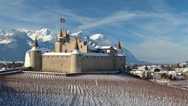 Замок Эгль (Aigle Castle) в Швейцарии