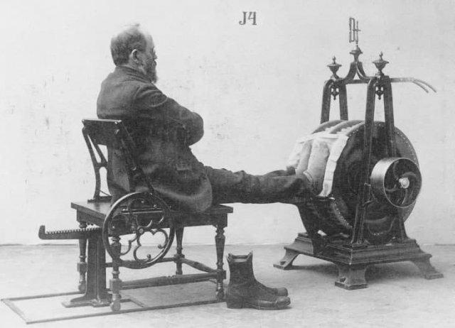 Один из первых медицинских приборов для лечения сердечно-сосудистых заболеваний, 1852 г.