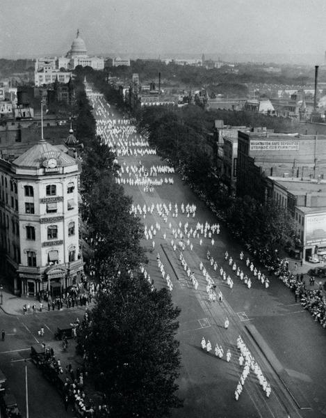 Парад ненависти: шествие 50000 куклуксклановцев в Вашингтоне 13 сентября 1926 года