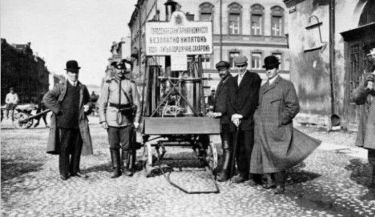 Благотворительная чайная повозка. 1909 год Санкт-Петербург
