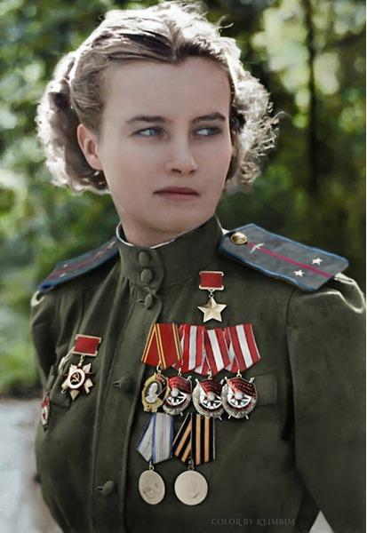 Герой Советского Союза Наталья Меклин-Кравцова - К концу войны она совершила 982 ночных вылета на бомбардировщике ПО-2