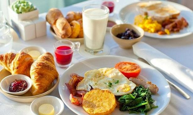 Польза плотного завтрака оказалась преувеличена