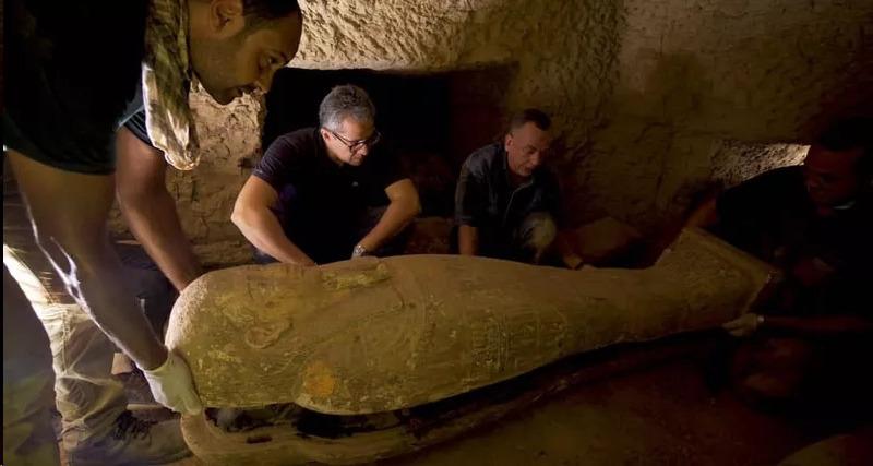 В Египте найден тайник с 13 гробами