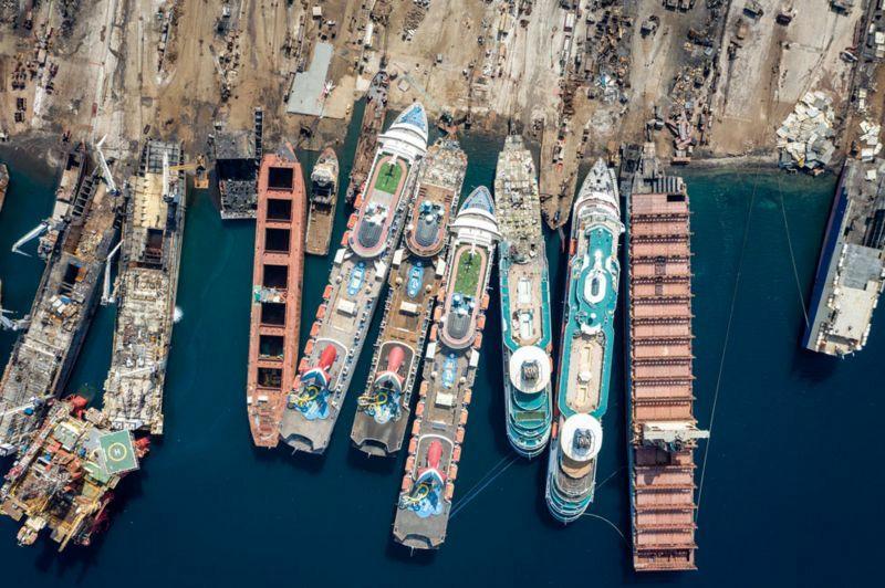 Кладбище круизных лайнеров у побережья Турции