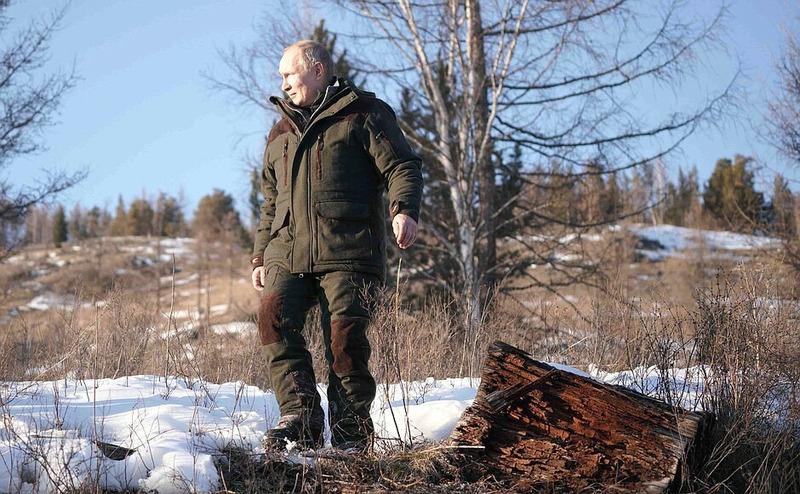 Владимир Путин и Сергей Шойгу на отдыхе в Сибири
