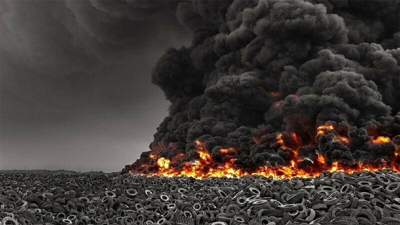 В Кувейте горит крупнейшая свалка автопокрышек