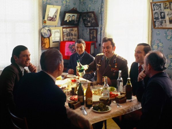 Космонавт Владимир Ковалёнок в родном доме, Беларусь, 1978 год.