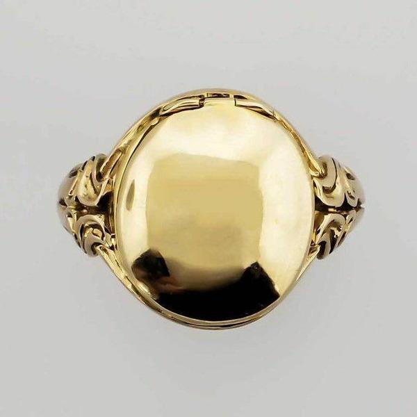 Золотое кольцо с черепом