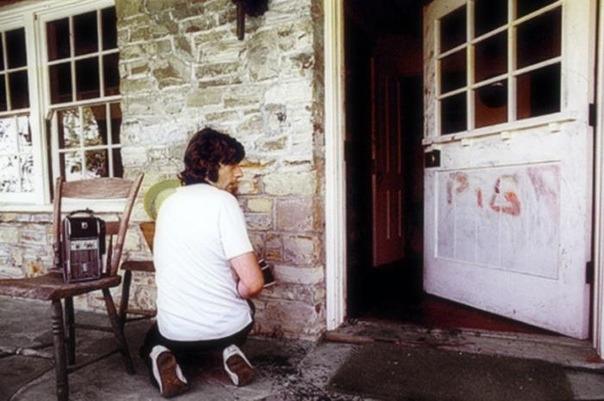 Роман Полански у своего дома после совершенного в нем массового убийства, 1969 год, Лос–Анджелес